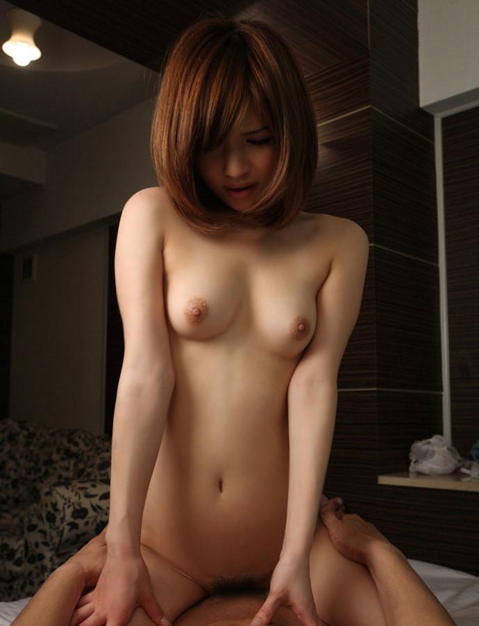 【騎乗位エロ画像】女の子が貪欲にセックスのリード権を取れる体位といえばこれw 11