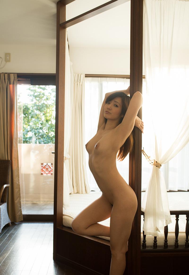 【オールヌードエロ画像】女の子のオールヌード!いつ見ても飽きることのない素晴らしさw 40