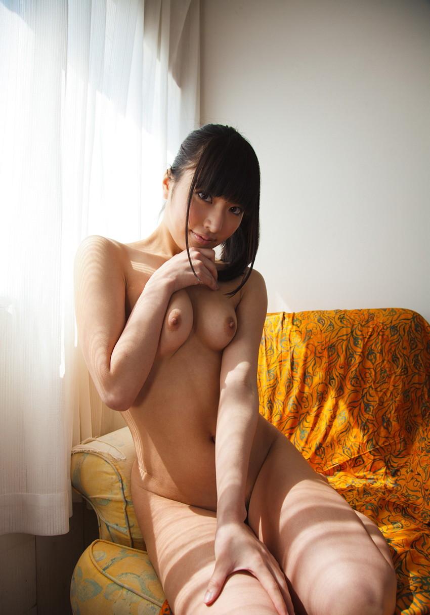 【オールヌードエロ画像】女の子のオールヌード!いつ見ても飽きることのない素晴らしさw 54