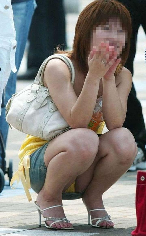 【街撮りパンチラエロ画像】暑いのは嫌いだけど、暑い季節はパンチラ満載!?ww 30