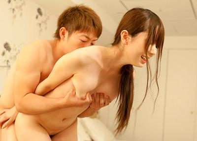 【立ちバックエロ画像】立たせたままの女の子の後ろからハメる立ちバックがエロすぎ!