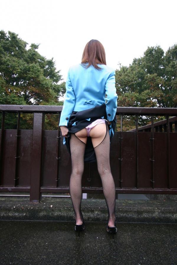 【素人露出エロ画像】素人娘の過激すぎる野外露出!これってヤバくね!?ww 52