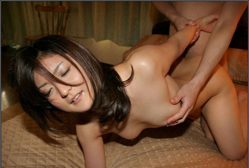 【バックエロ画像】後背位、それは女の子を四つん這いにして後ろから挿入するセックス! 39