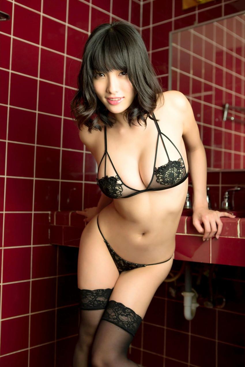 【セクシーランジェリーエロ画像】魅せる下着!?セクシーさを重視した女性下着! 10