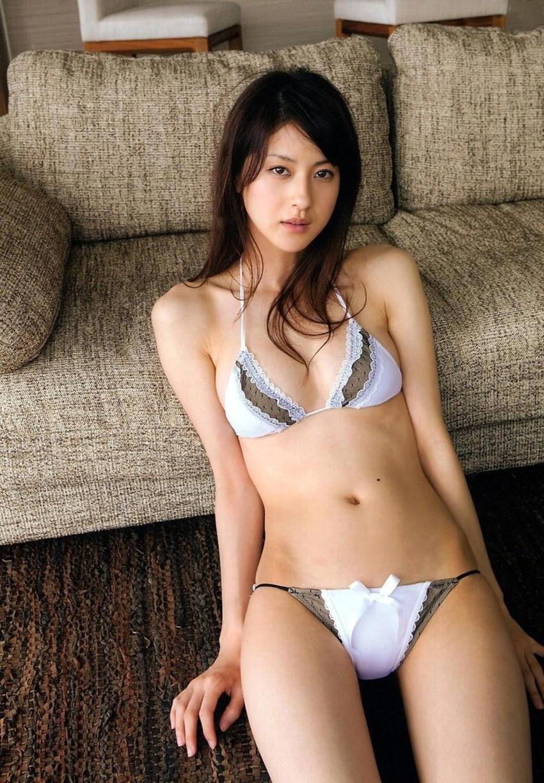 【セクシーランジェリーエロ画像】魅せる下着!?セクシーさを重視した女性下着! 11