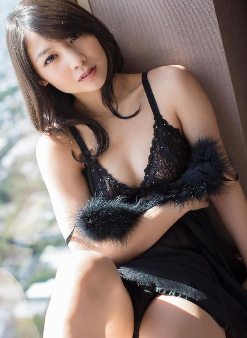 【セクシーランジェリーエロ画像】魅せる下着!?セクシーさを重視した女性下着! 20