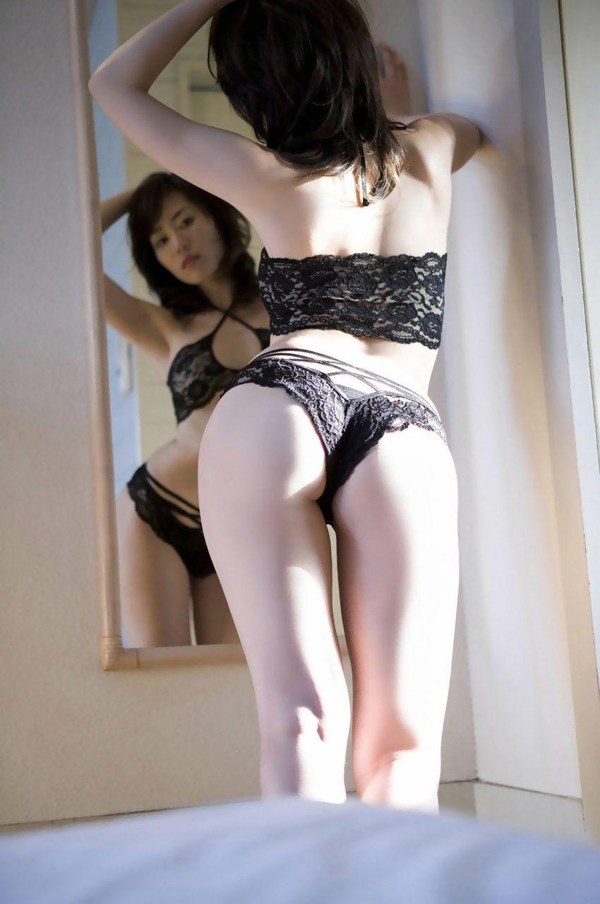 【セクシーランジェリーエロ画像】魅せる下着!?セクシーさを重視した女性下着! 25