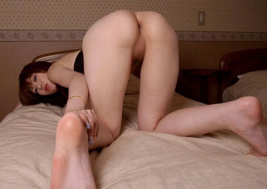 【アナルエロ画像】女の子がお尻の穴をカメラに向かって見せ付けている画像集めたったw 33