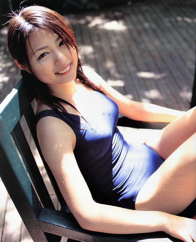 【スク水エロ画像】学生時代を彷彿させるスクール水着の女の子にムラムラw 03