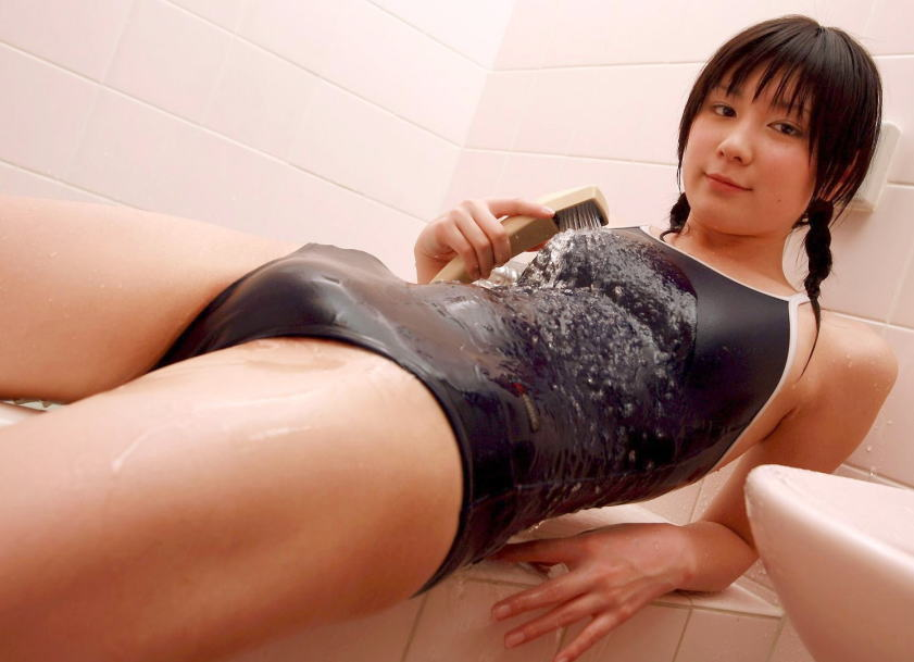【スク水エロ画像】学生時代を彷彿させるスクール水着の女の子にムラムラw 26