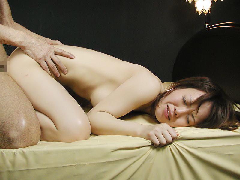 【バックエロ画像】四つん這いになった女の子とセックス!後背位セックス画像! 32