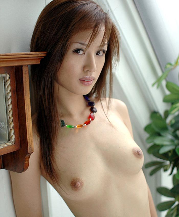 【美乳エロ画像】タメ息が出そうになるほどの美しい美乳の持ち主の女の子たち! 20