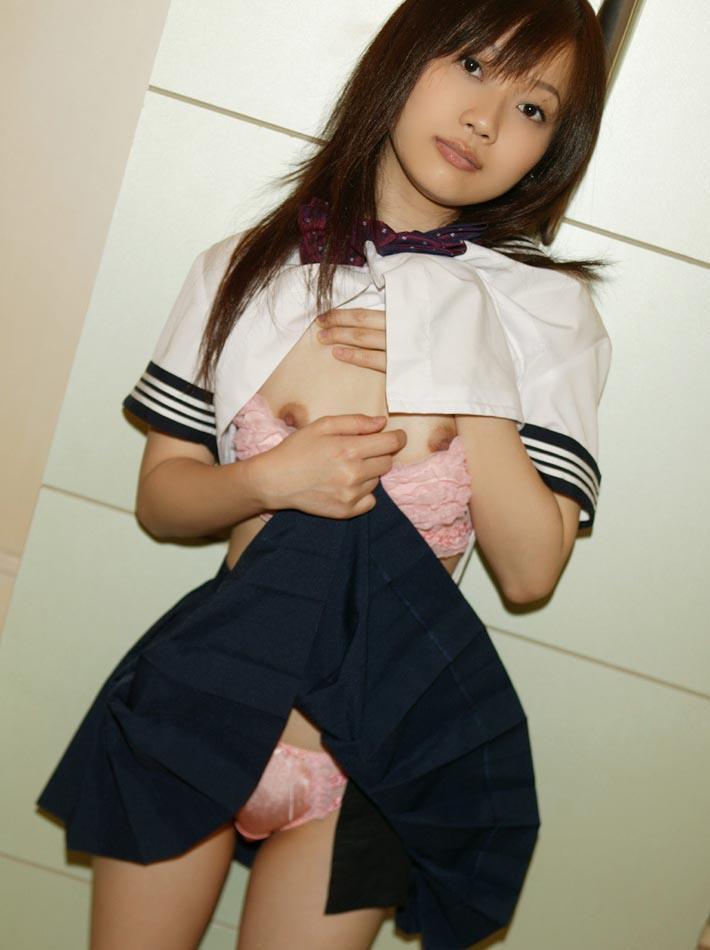 【制服コスプレエロ画像】少しばかりの背徳感!?制服コスプレした女の子のエロ画像! 20