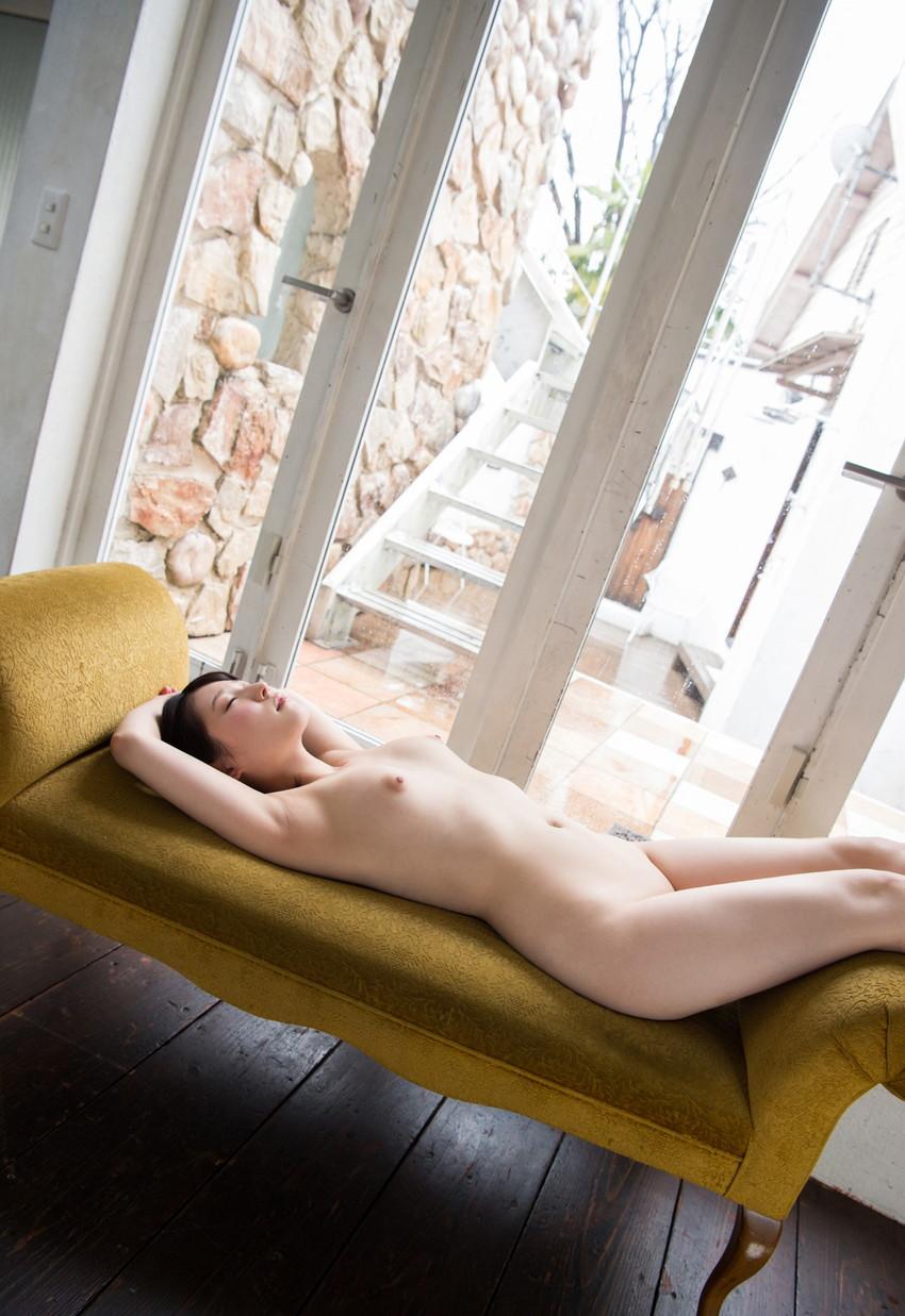【フルヌードエロ画像】エロの原点はやっぱり女の子の裸なのかなwwww 15