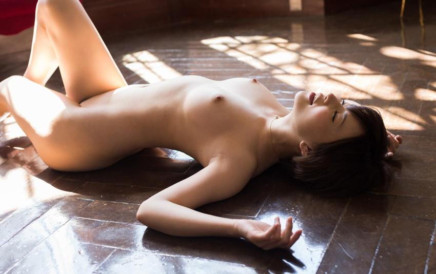 【フルヌードエロ画像】エロの原点はやっぱり女の子の裸なのかなwwww 33