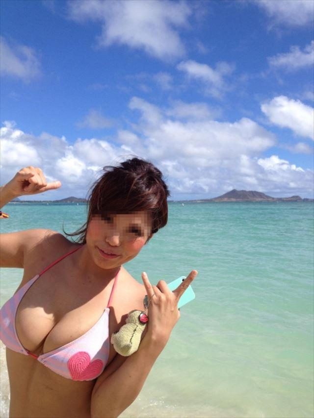 【素人水着エロ画像】朗報!!いよいよ夏本番!こんな風景が今年も見れるんだぜ! 12