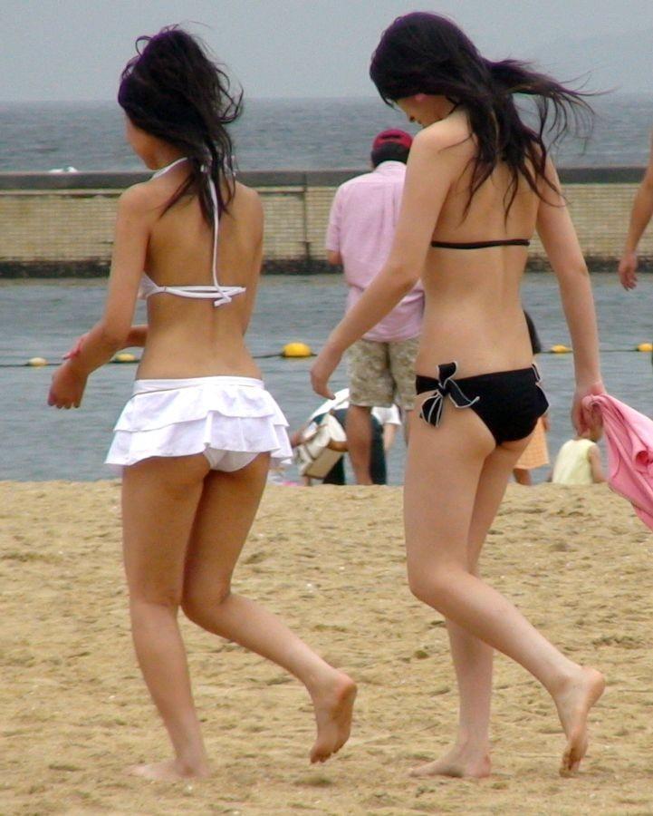 【素人水着エロ画像】朗報!!いよいよ夏本番!こんな風景が今年も見れるんだぜ! 28