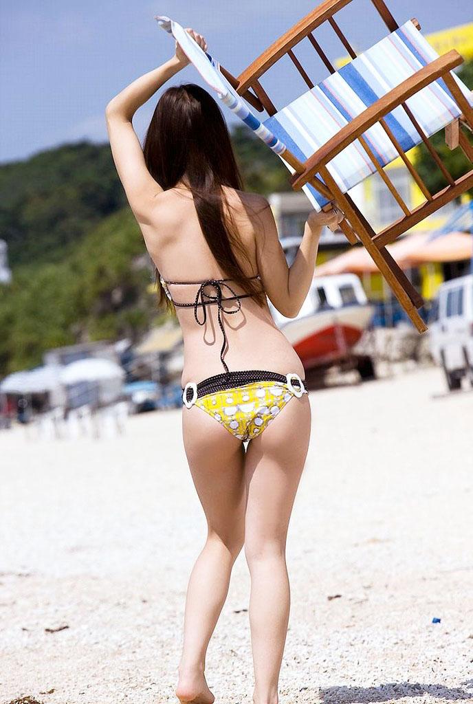 【素人水着エロ画像】朗報!!いよいよ夏本番!こんな風景が今年も見れるんだぜ! 52