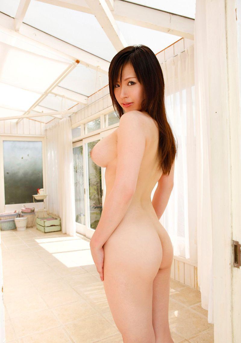 【美尻エロ画像】ぷりんぷりんのお尻に視線は釘付け!美尻な女の子たち! 47