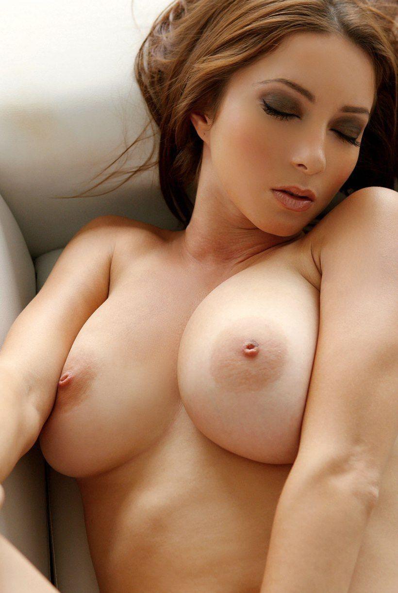 【海外おっぱいエロ画像】海外発の美しいおっぱい!海外の美乳な女の子たち! 28