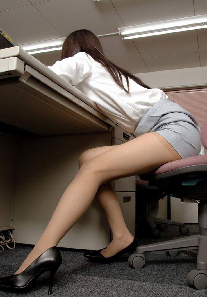 【美脚エロ画像】スラリと伸びた女の子の美脚におもわずナマツバ!www 41