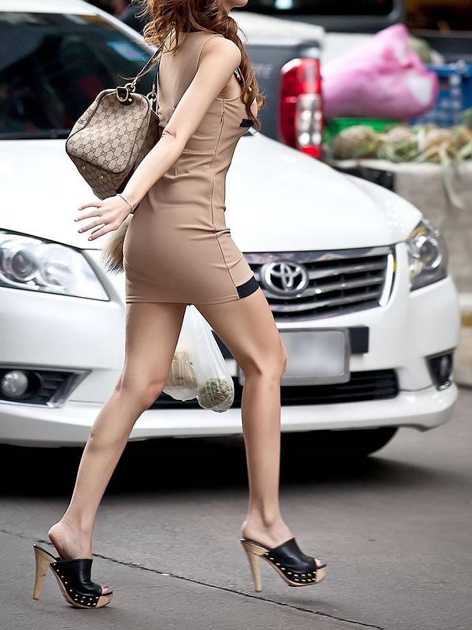 【美脚エロ画像】スラリと伸びた女の子の美脚におもわずナマツバ!www 45