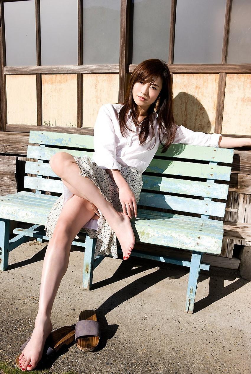 【美脚エロ画像】スラリと伸びた女の子の美脚におもわずナマツバ!www 48