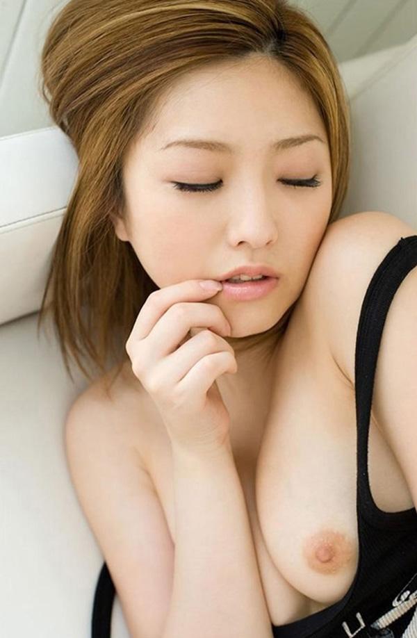 【片乳エロ画像】片方のおっぱいだけ見せてくれてる女の子特集!wwwww 34