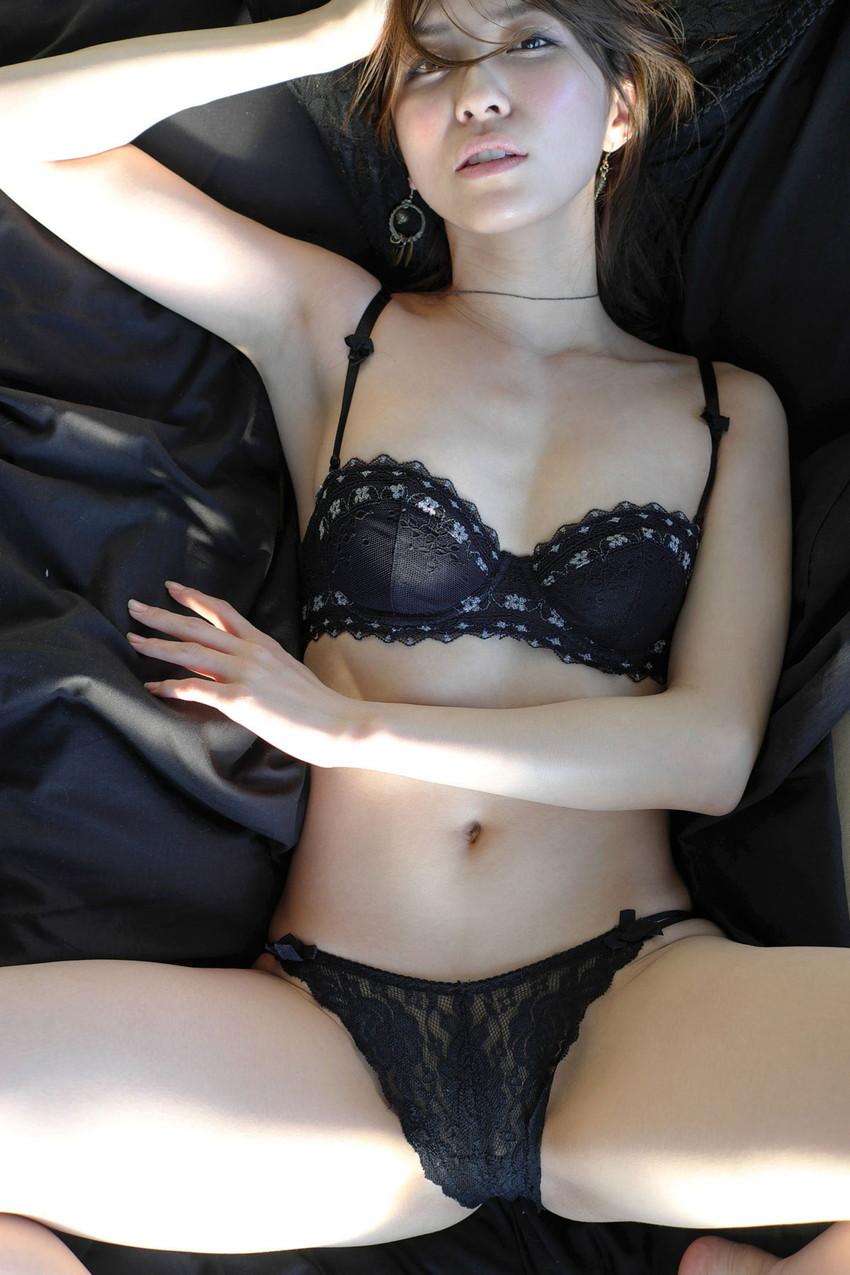 【セクシーランジェリーエロ画像】セクシーさに重点をおいた女の子の下着がこちらw 17