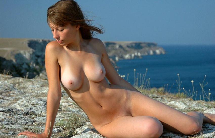 【海外美乳エロ画像】美しすぎる!見とれてしまうほどの海外美乳な女の子たち! 13