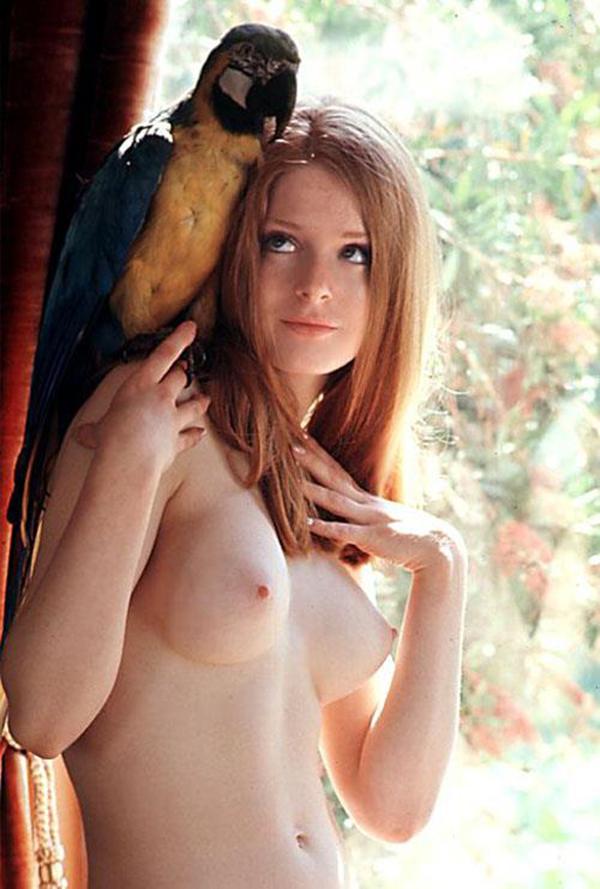 【海外美乳エロ画像】美しすぎる!見とれてしまうほどの海外美乳な女の子たち! 25