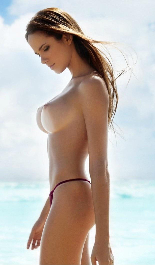 【海外美乳エロ画像】美しすぎる!見とれてしまうほどの海外美乳な女の子たち! 55