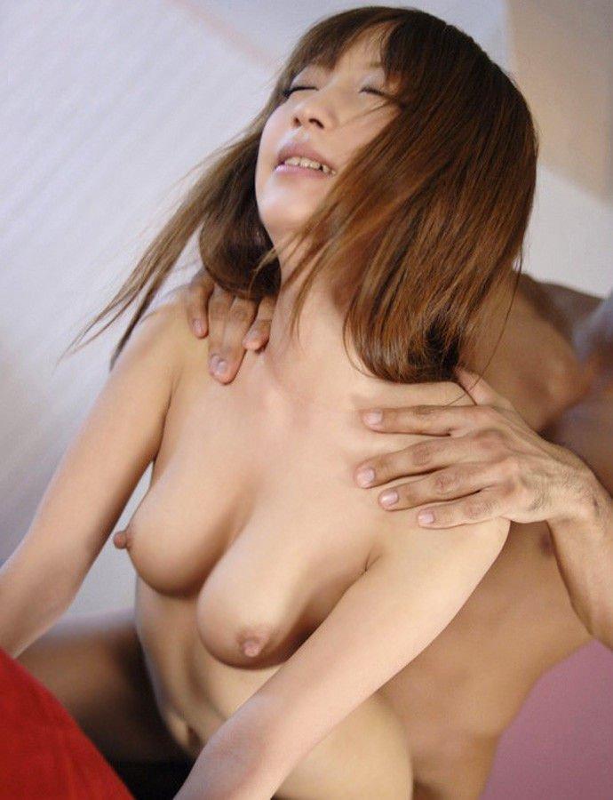 【後背位エロ画像】代表的なセックスの体位のひとつ!バックでセックスする男女! 20