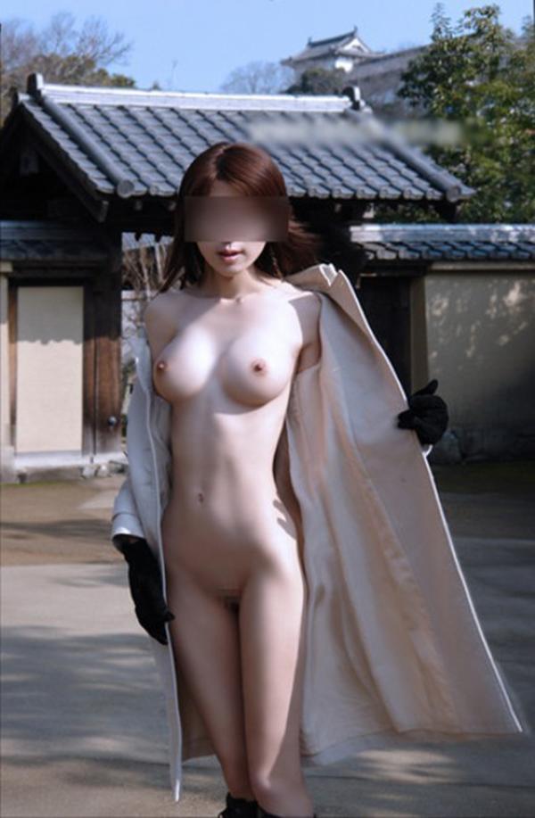 【素人露出エロ画像】どんどん過激さを増す素人娘たちの露出画像がヤバッ! 37