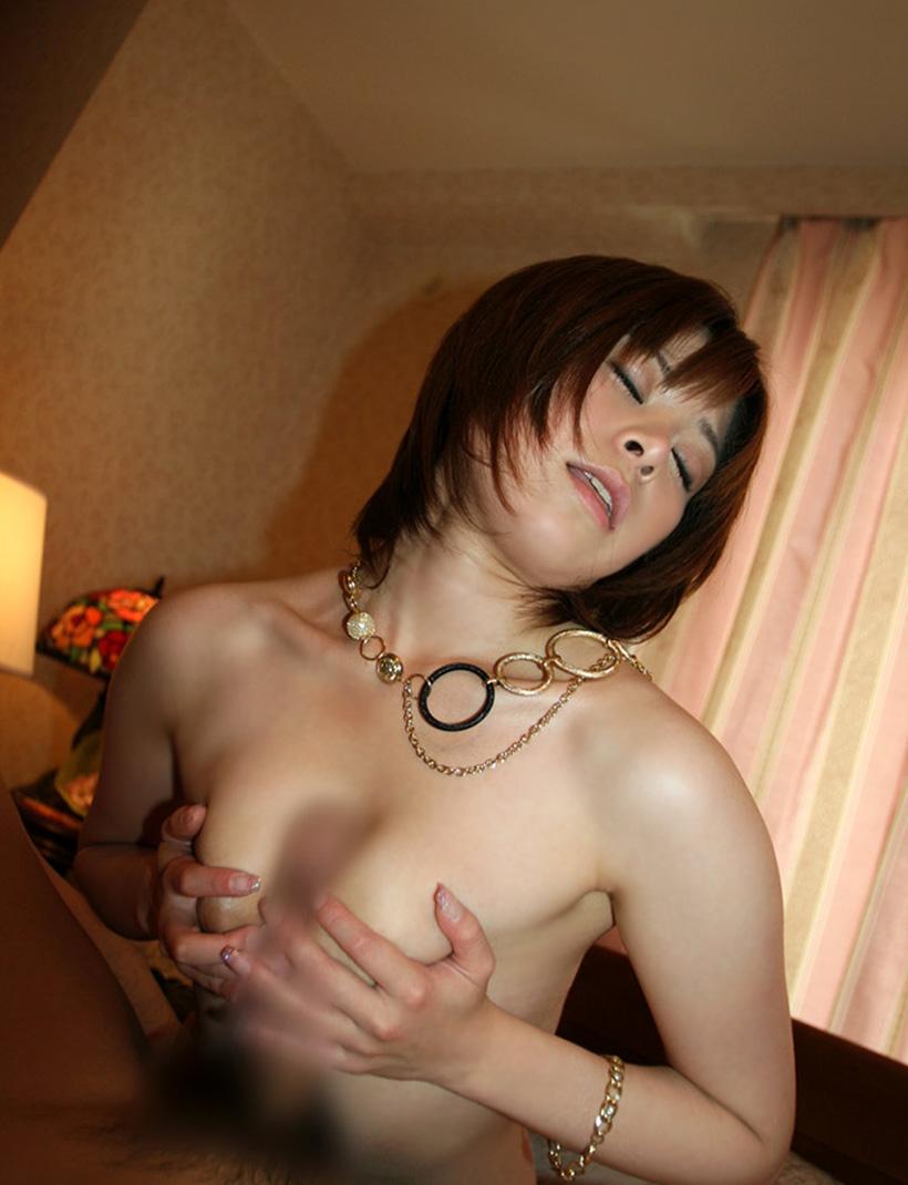 【パイズリエロ画像】巨乳の彼女をもったら絶対にしてほしい奉仕プレイ! 34