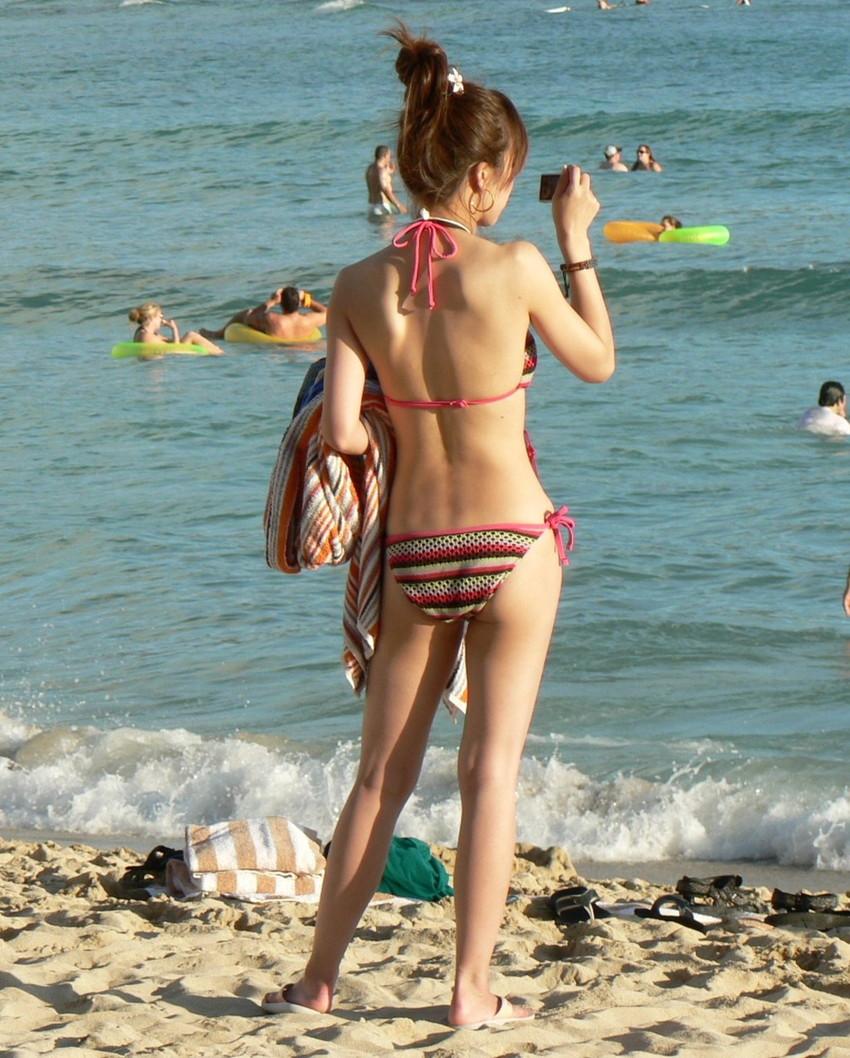 【素人水着エロ画像】夏といえば、やっぱり素人娘たちの水着だよな!?www 11