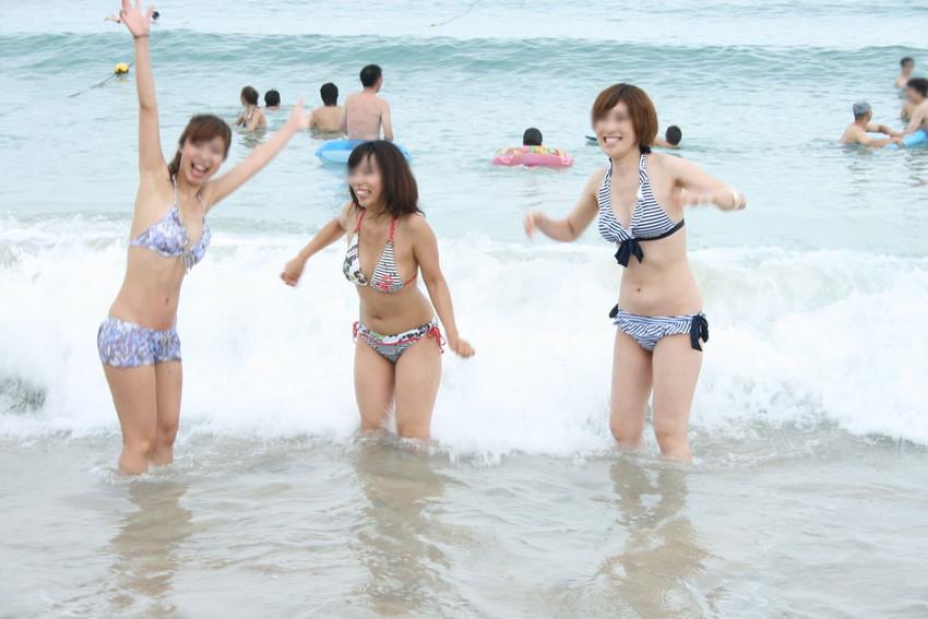 【素人水着エロ画像】夏といえば、やっぱり素人娘たちの水着だよな!?www 40