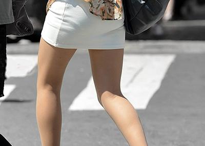 【街撮り美脚エロ画像】スラリと伸びた美脚の女の子を街中でフォーカスしたったw