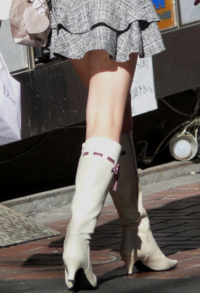 【街撮り美脚エロ画像】スラリと伸びた美脚の女の子を街中でフォーカスしたったw 12