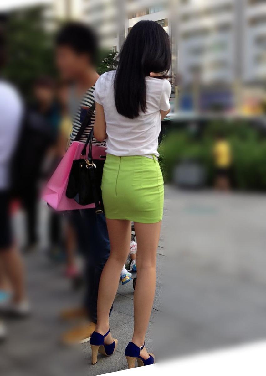 【街撮り美脚エロ画像】スラリと伸びた美脚の女の子を街中でフォーカスしたったw 47