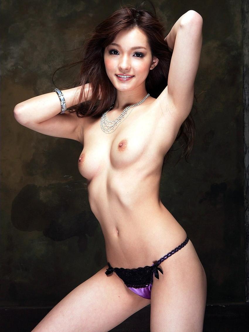 【美乳エロ画像】ワイ将、こんな美乳な彼女が欲しいと切に思う件wwwww 16