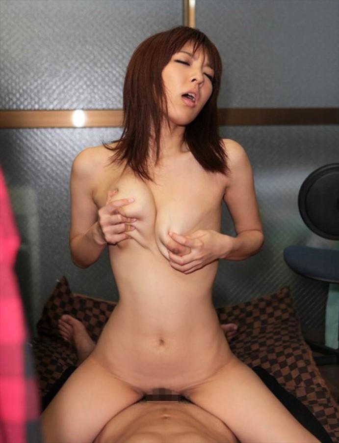 【騎乗位エロ画像】女の子主体の厭らしすぎる騎乗位セックスがめっちゃシコ! 09