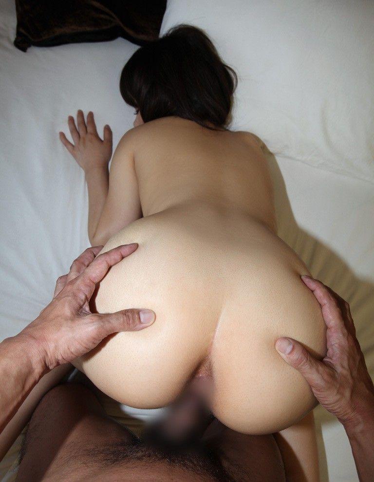 【バックエロ画像】女の子のお尻を眺めながらハメる体位サイコー!!!www 12