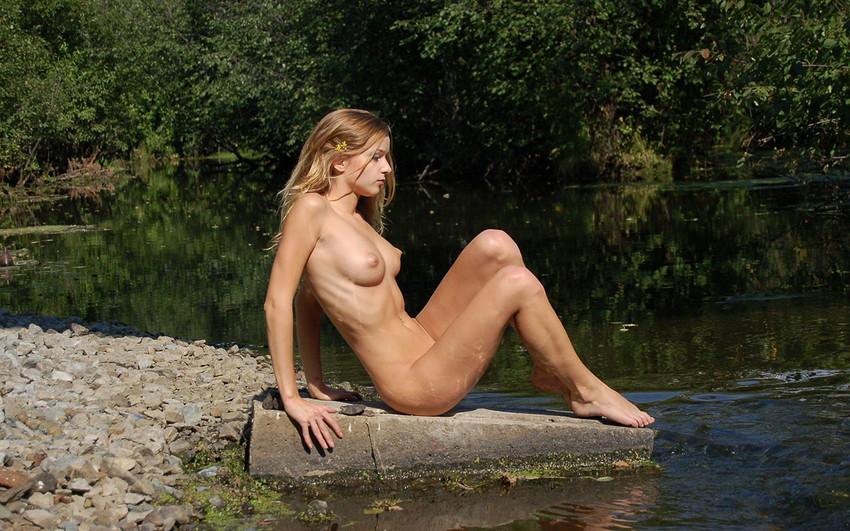 【海外ヌードエロ画像】たまには海外諸国の女の子のヌード画像でも眺めてみようずw 18