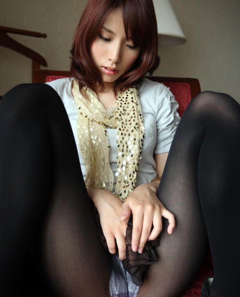 【指オナニーエロ画像】自らの性感帯を自身の指で刺激する指オナニー! 11