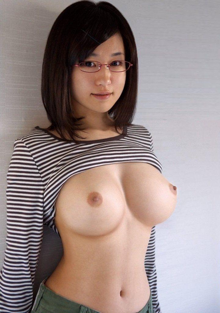 【美乳エロ画像】こんな美乳の彼女もったら毎日セックス三昧だろ!?www 36
