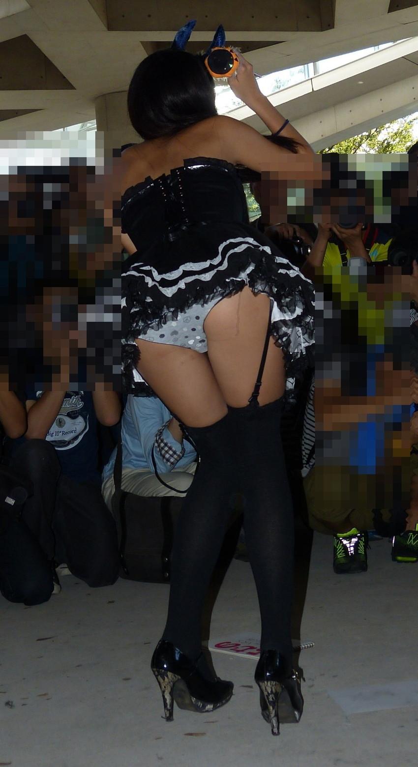 【コミケエロ画像】コスプレ会場で見かけた過激コスプレの素人娘たちに下半身沸騰w 24