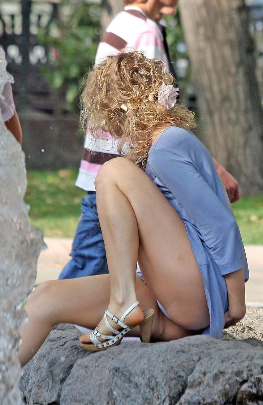 【海外パンチラエロ画像】映画のワンシーンのような海外女性たちのパンチラ画像集めたった! 05