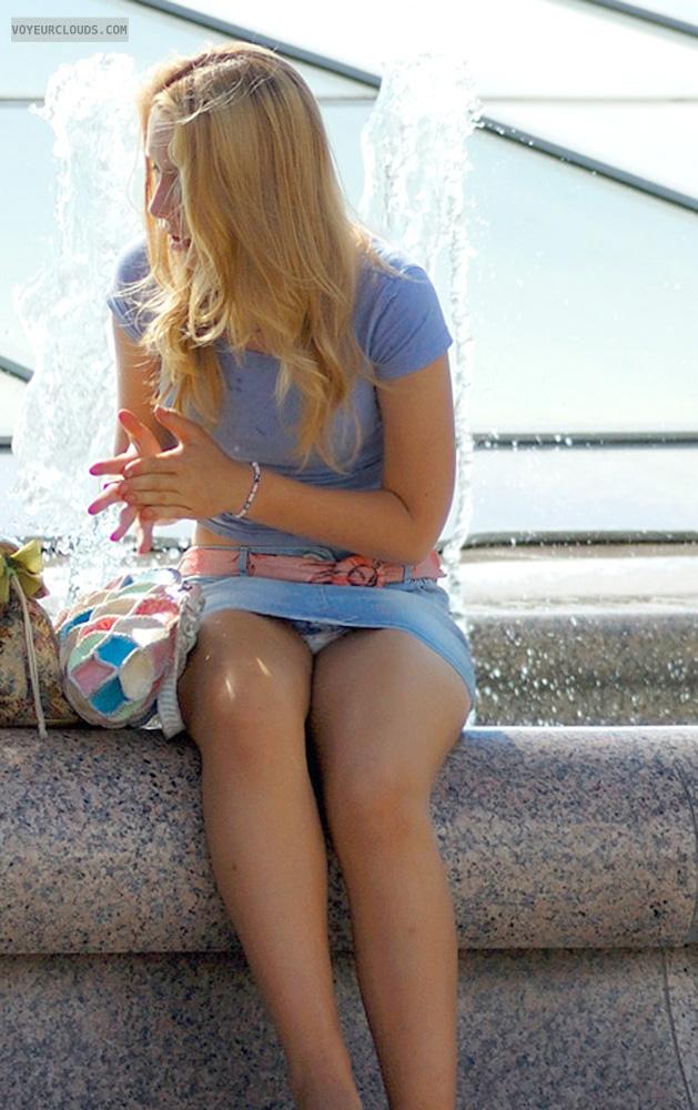 【海外パンチラエロ画像】映画のワンシーンのような海外女性たちのパンチラ画像集めたった! 15