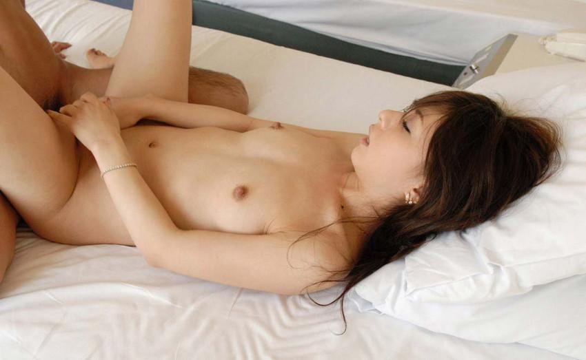 【正常位エロ画像】一番セオリーなセックスの体位、正常位でセックスしてる男女! 48